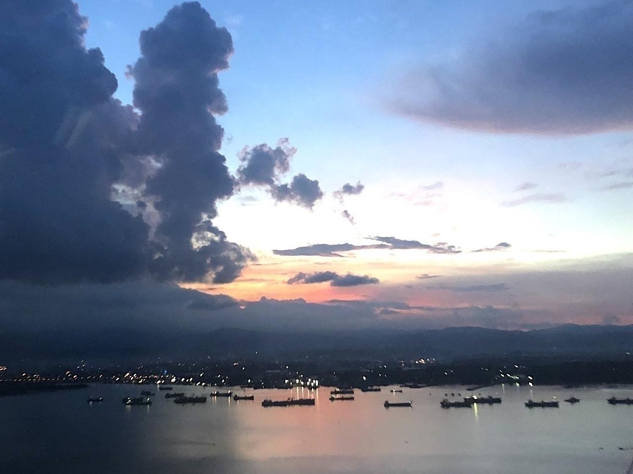 フィリピン・セブ島の港風景