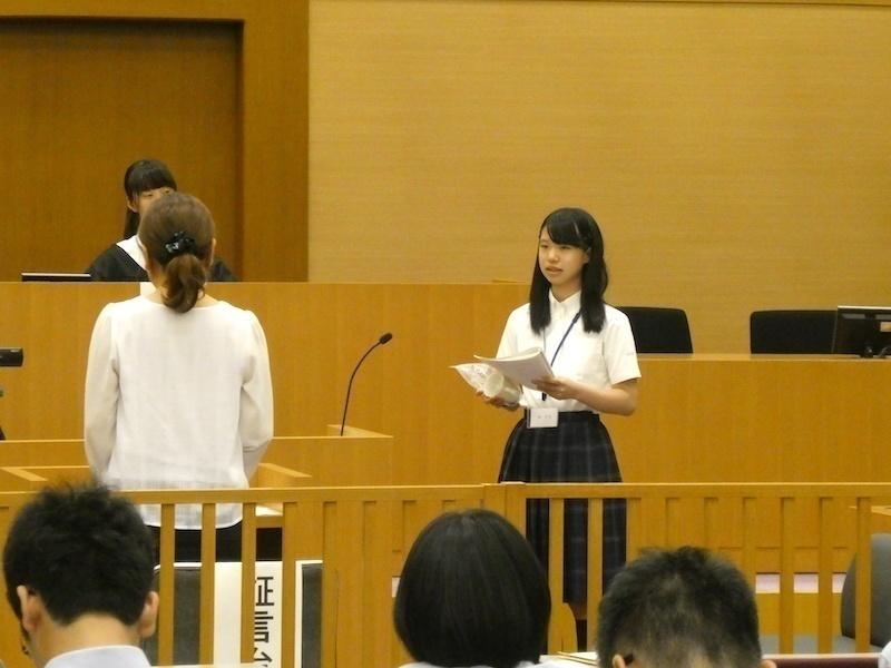 弁護人役の生徒