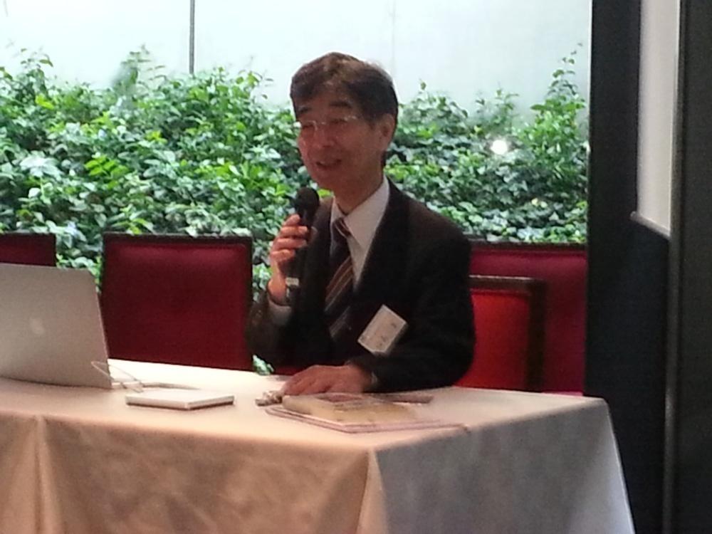 講演する福島センター長